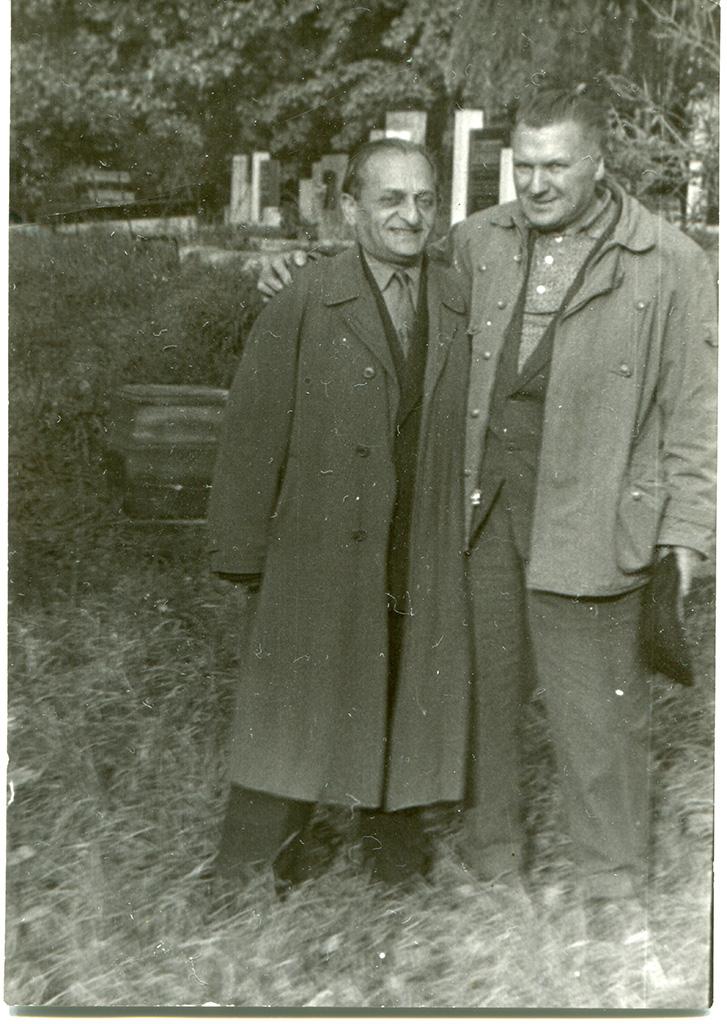 Слева - Бронислав Берг (Bronislaw Witold Zalcberg).