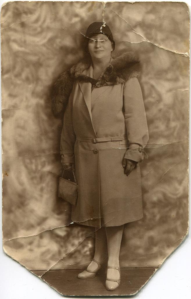 Возможно, жена Адама Зальцберга. 1929 год.